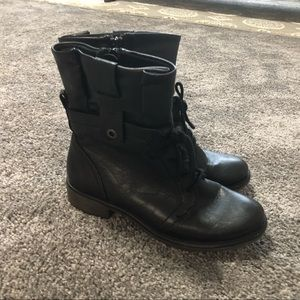 Bare Traps Sindy Boot